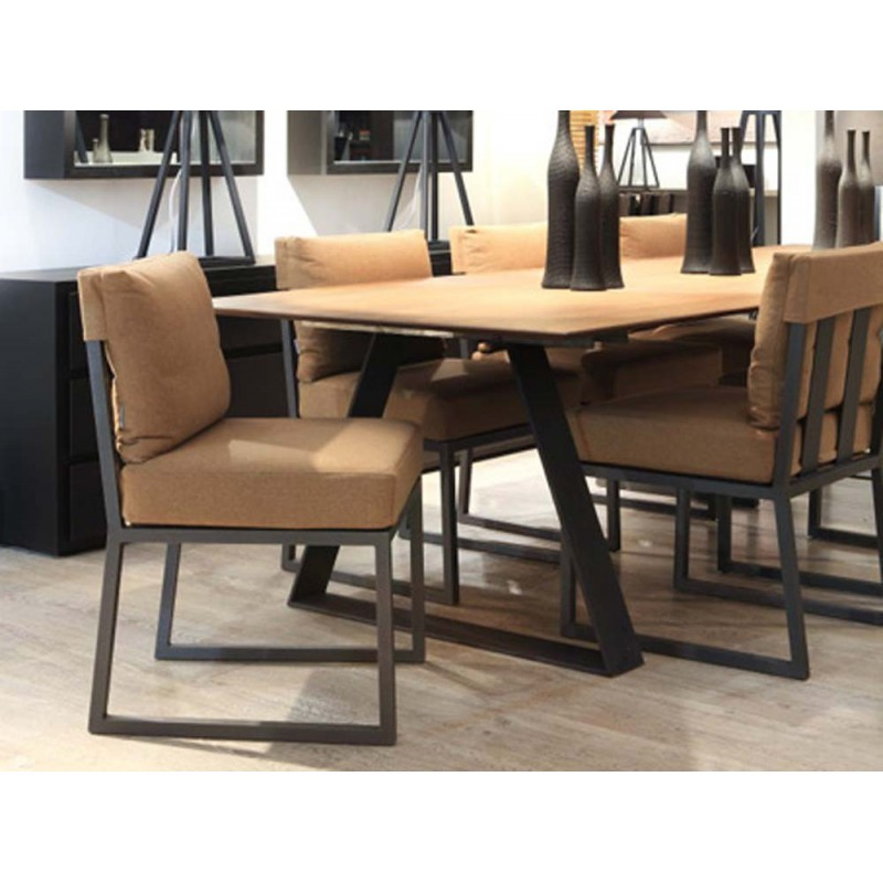 Table de salle manger tr teaux ph collection d co en for Table salle a manger design
