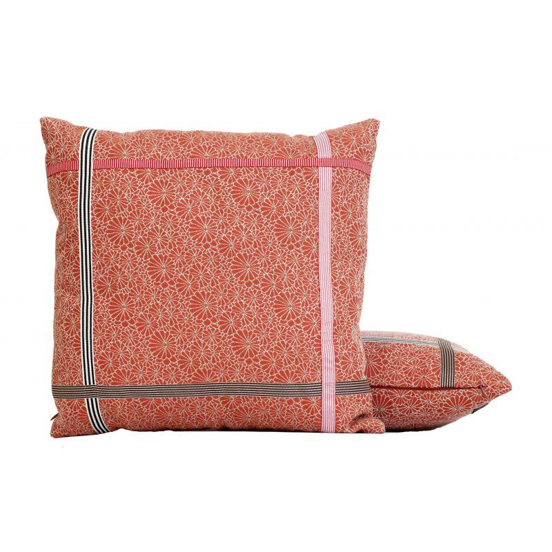 coussin encadres brique jean paul gaultier d co en ligne coussins. Black Bedroom Furniture Sets. Home Design Ideas